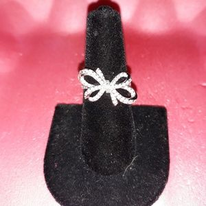 Jewelry - Beautiful Bow ring in SS